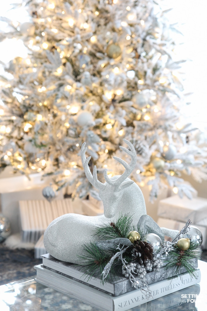 Inspiring Christmas Tree Decorating Ideas: See my Flocked Christmas Tree - White and Gold Glam Style! See 25 design bloggers tree in this amazing holiday blog tour!