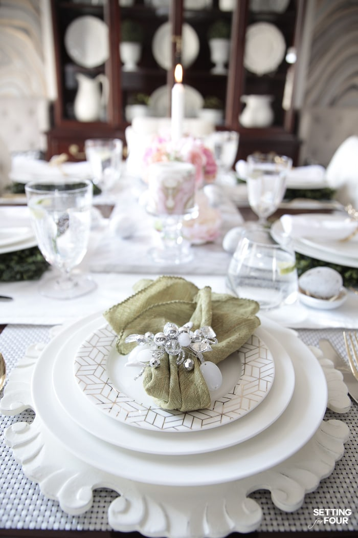 Elegant dining room and Easter dinner party decor ideas for the table.
