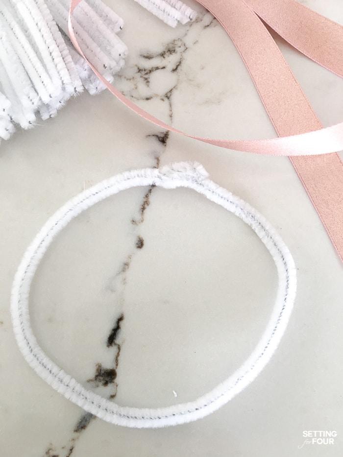 Easter decor idea: Easy Faux Floral Wreath DIY project.