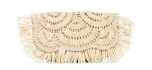 This straw clutch purse is perfect for Spring and summer and perfect for vacation!