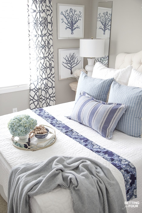 7 Simple Summer Bedroom Decorating Ideas and summer bedding tips. #decor #decoratingideas #bedding #summer #bedroom