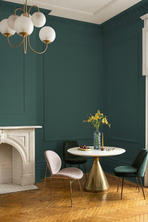 Night Watch Color Of The Year 2019 - a dark green living room wall paint color by PPG paints. #painting #paint #color #paintcolor #decor