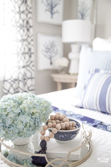 7 Simple Summer Bedroom Decorating Ideas and floral tips. #decor #decoratingideas #flowers #bouquet #summer #bedroom