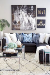 Summer Decor Ideas For Your Entryway And Family Room