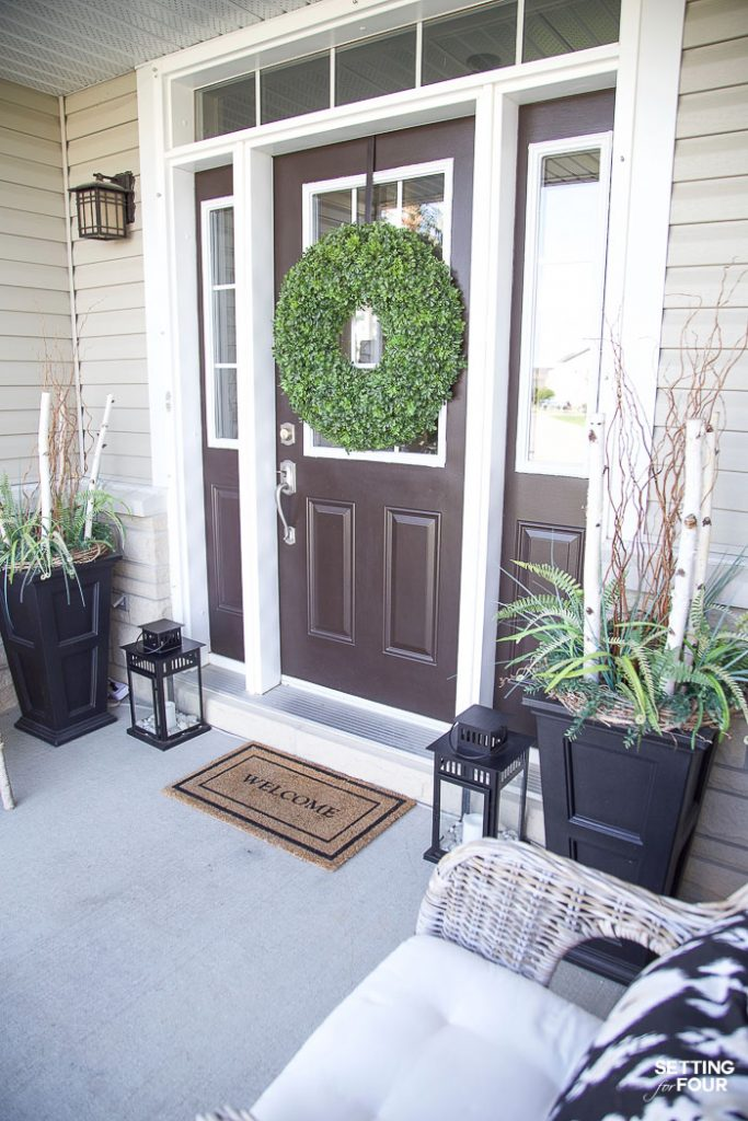 Summer Front Porch Decor Ideas #summer #porch #decor #lantern #plants #paintcolor #doormat