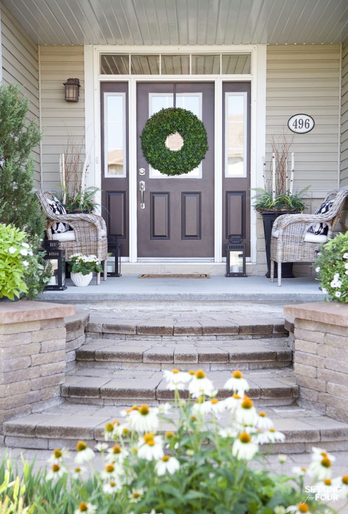 Summer Front Porch Decor Ideas #summer #porch #decor #exterior #curbappeal #decorating