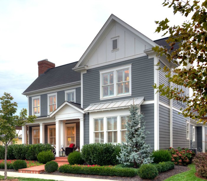 12 Curb Appeal Design Elements & Porch Decor Tips #curbappeal #decor #porch #exterior #homeimprovement #design #siding #decorideas #JamesHardieInspired