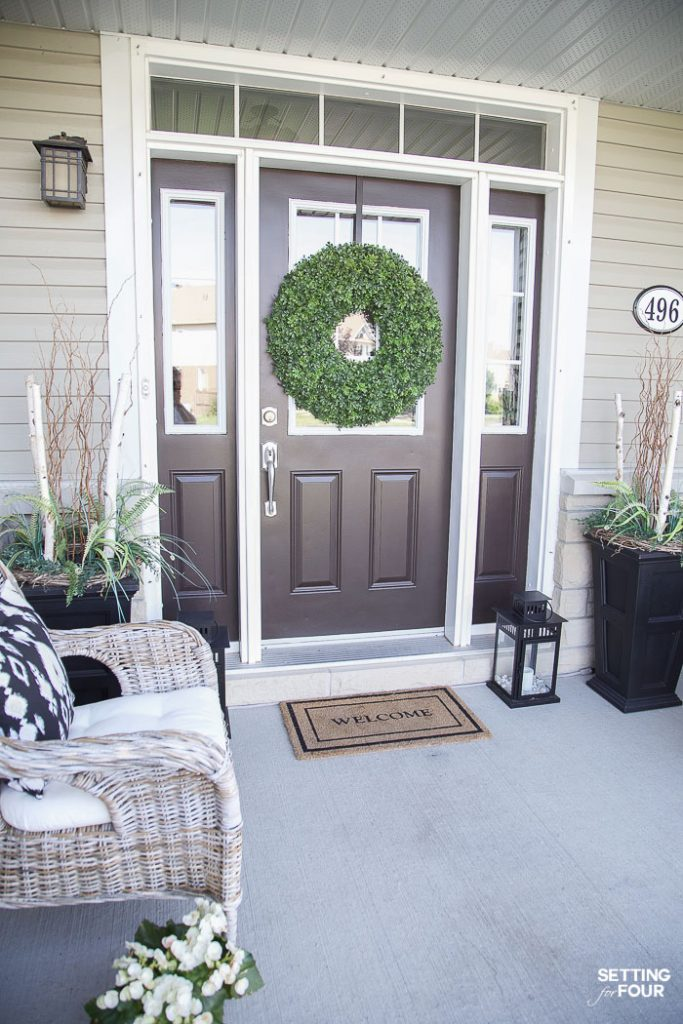 Summer Front Porch Decor Ideas #summer #porch #decor #exterior #curbappeal #decorating #planters #urns #frontdoor