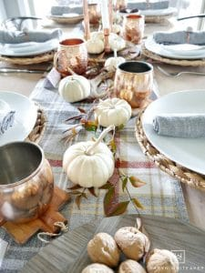 See these 25 Gorgeous Fall Table Setting Ideas to decorate your table for Autumn! Lots of fall floral centerpieces, fall dinnerware, pumpkin decor ideas, place card, napkin folding ideas and more! #fall #autumn #decor #tablesetting #tablescape #pumpkin #centerpiece #flowers #dinnerware #napkinfold #entertaining