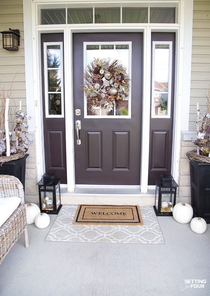 Simple Fall Porch Decorating Ideas With Big Impact! #rug #urn #curbappeal #simple #fall #porch #decor #pumpkins #leaves #mums