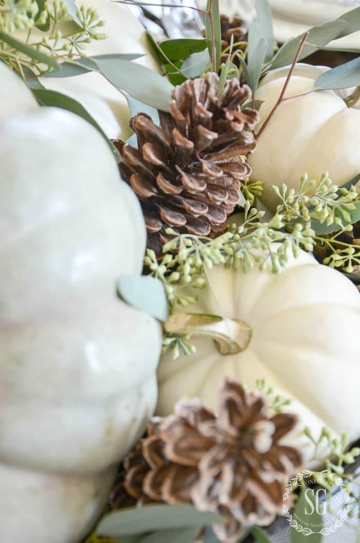 NATURAL THANKSGIVING TABLESCAPE-pumpkins-pinecones-tonegableblog
