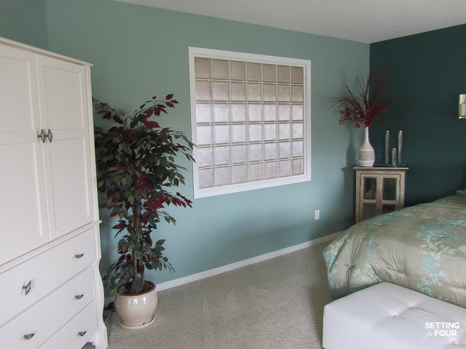 Master bedroom painted green color. Before design makeover. #interior #design #decor #green #paint #color