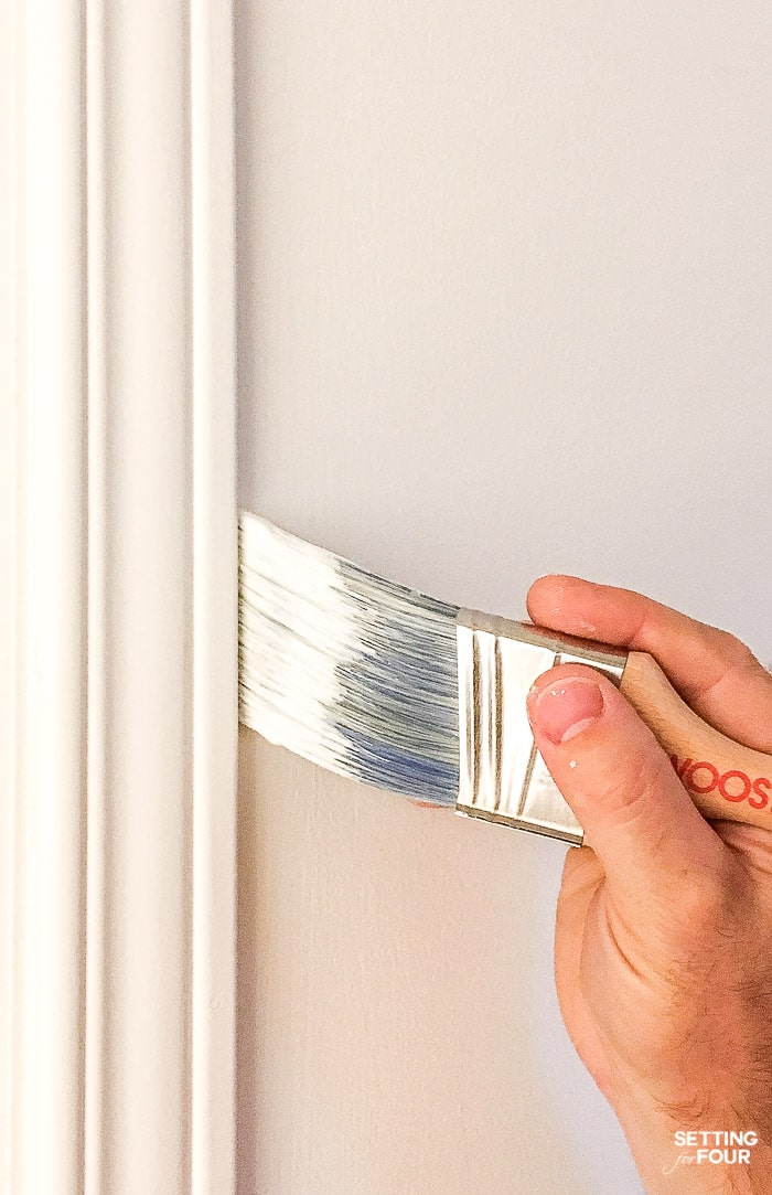 The best sash brush to paint trim and ceiling! Designed to get into narrow spaces! #paint #paintbrush #diy #walls #ceiliing #trim