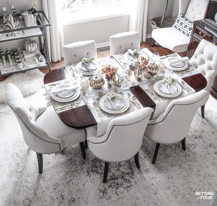 Thanksgiving dining room decor and table setting ideas. #fall #thanksgiving #diningroom #table #chairs #decor #decorideas