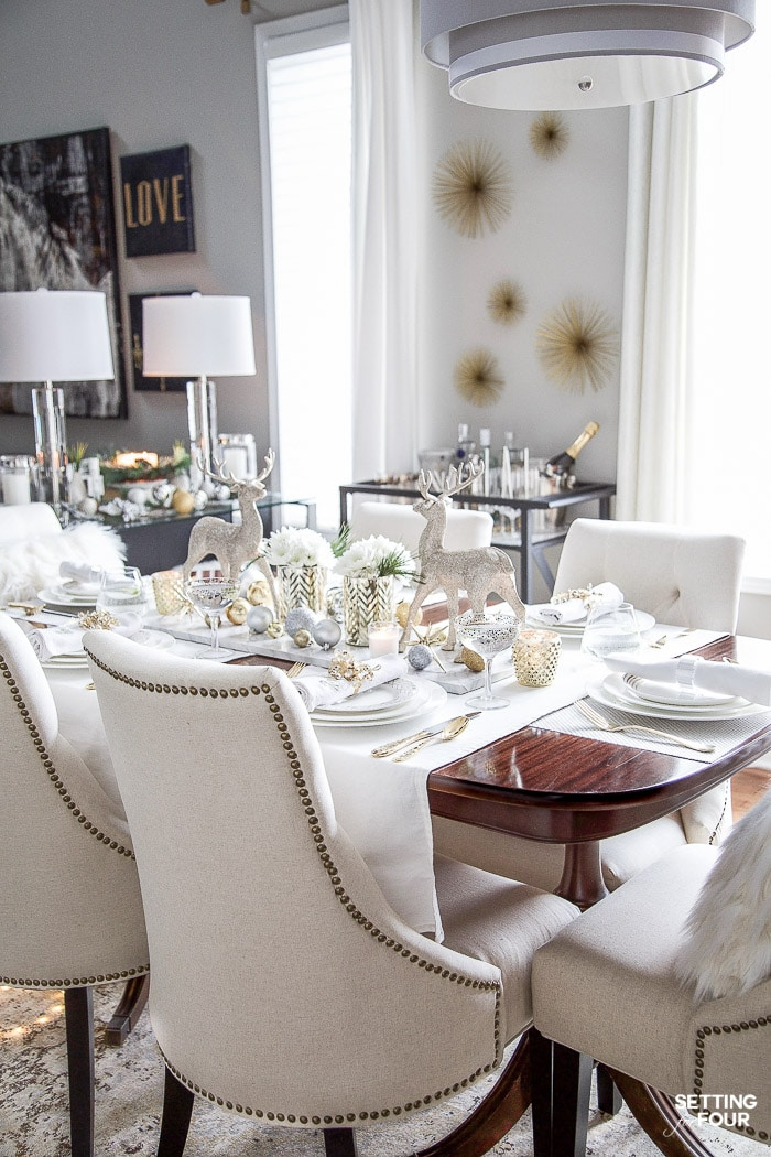 See my Styled and Set Christmas Table Decor Ideas - tips on seating, centerpiece ideas, place setting ideas, festive decor and more! #diningtabledecor #tabletop #tabledecorations #holidaydecor