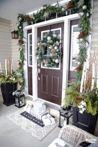 Christmas home decor ideas for the porch and living room! #christmas #christmasdecor #porch #livingroom #christmasporch #christmaslivingroom #decor