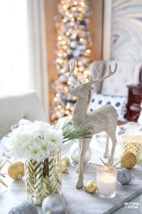See my Styled and Set Christmas Table Decor Ideas - tips on dinnerware, centerpiece ideas, place setting ideas, festive decor and more! #christmasdecorations #diningroom #tabledecor #holiday #decoration #christmastree #christmasdecorationideas