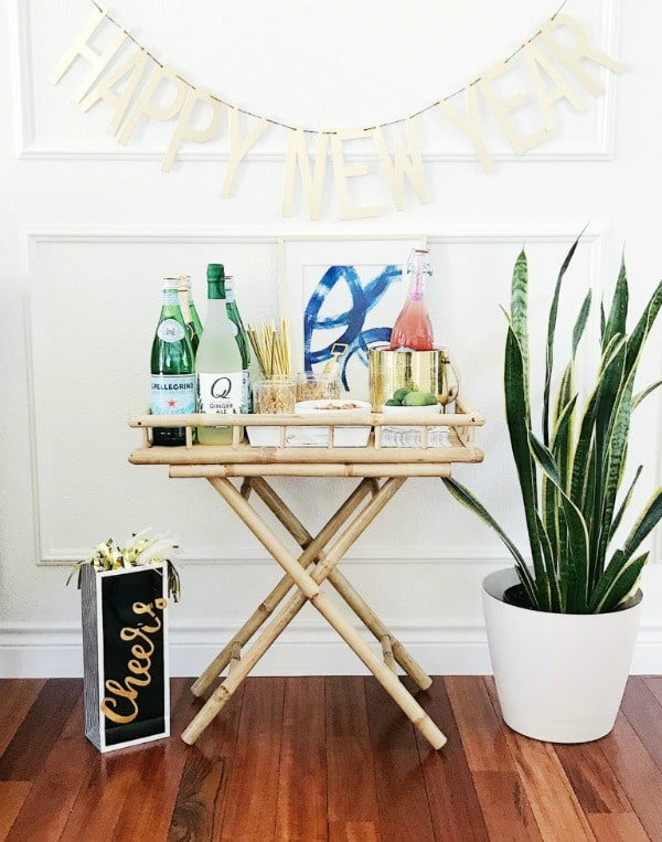 New Year's Eve Bar Cart party ideas. #banner #barcart #decor #holidaydecor #entertaining