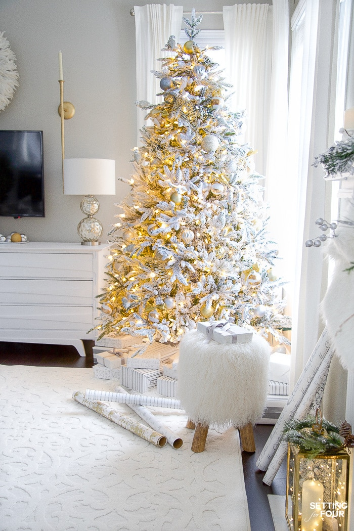 Flocked Christmas Tree Decor with lights! #christmaslights #christmastree #white #whitedecor