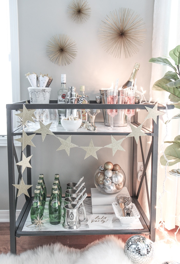 How to style a bar cart like a pro! #party #partyideas #partydecor #styling #design