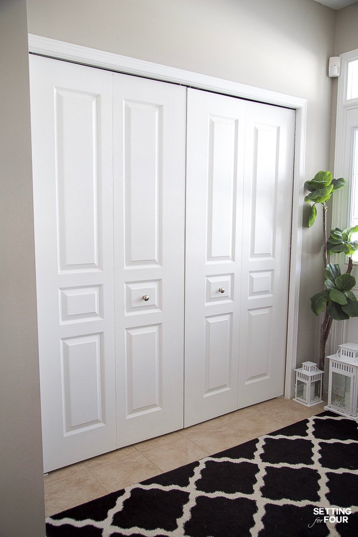 See this easy bifold closet door makeover! Such an inexpensive update on a budget to boring bifold doors! #closet #bifold #door #makeover #doorknobs #home #ideas #easy #simple #budget