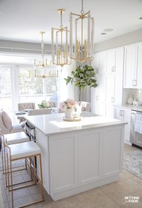 Light and Bright Spring kitchen and kitchen island decor ideas #spring #light #bright #kitchen #decor #ideas #kitchenisland