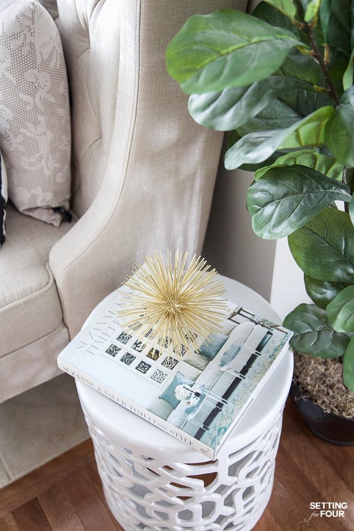 White garden stool decor idea. #endtable #decorations #gardenstool #white