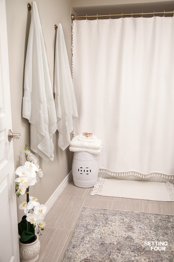 How to refresh a bathroom quickly and easily with beautiful new towels! #bathroom #makeover #towels #decor #refresh #makeover