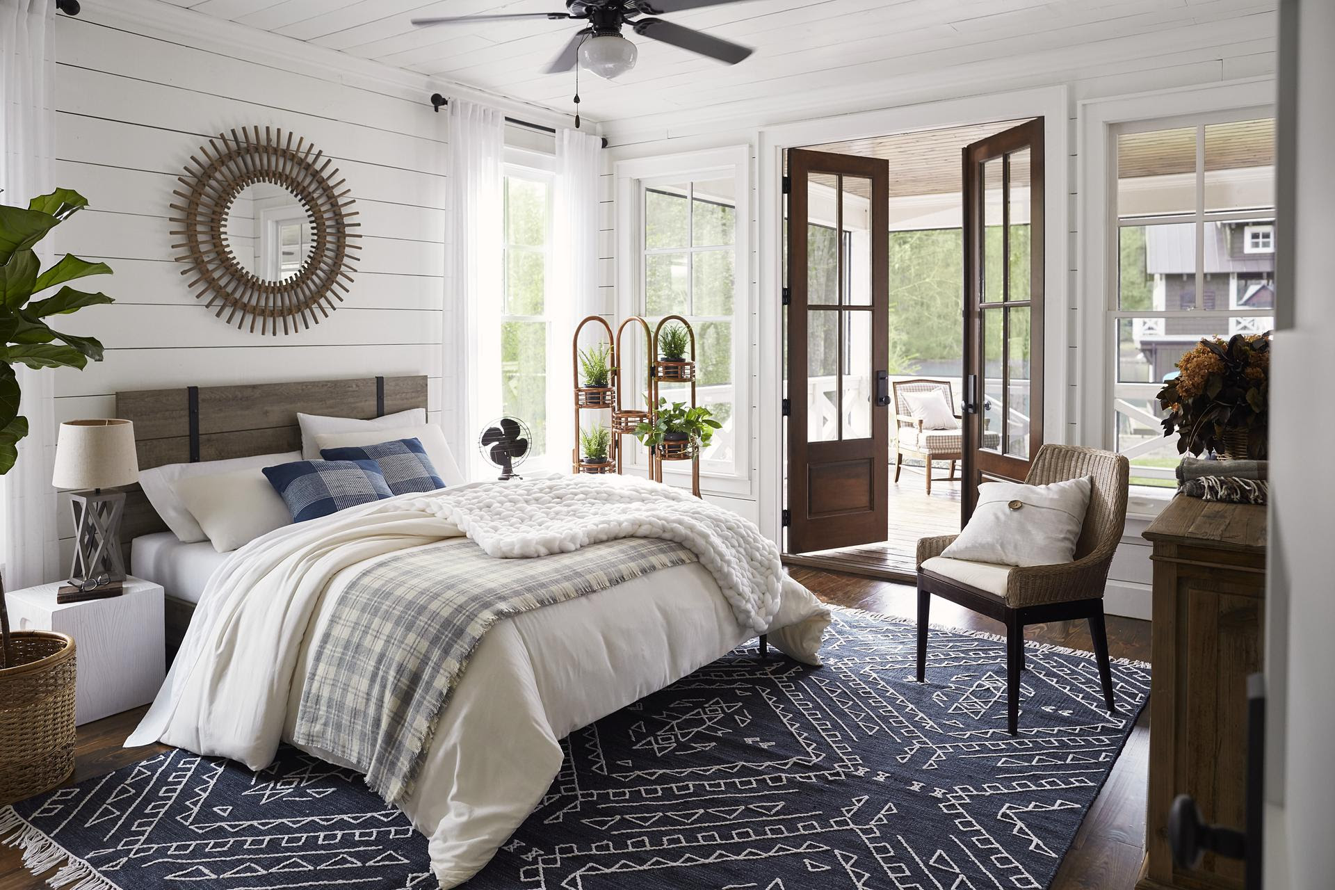Lake house bedroom paint color ideas furniture decor - Blue bedroom paint ideas ...