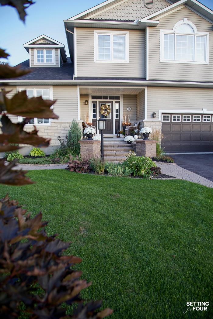 6 Cute Fall Porch Decor Ideas To Celebrate Autumn!