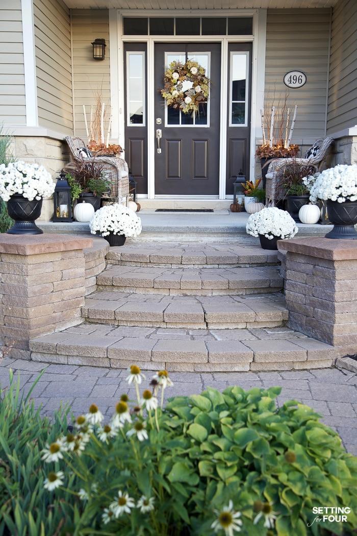6 Fall Porch Decor Ideas To Celebrate Autumn!