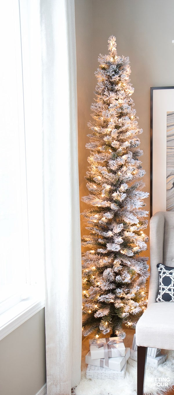 How to set up a flocked Christmas tree to prevent flocking from getting everywhere!