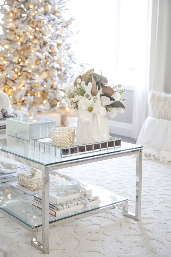 Elegant Christmas Coffee Table Decor and Holiday Centerpiece Ideas.