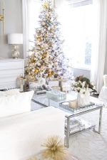 Elegant Gold and White Christmas Living Room Decor Ideas