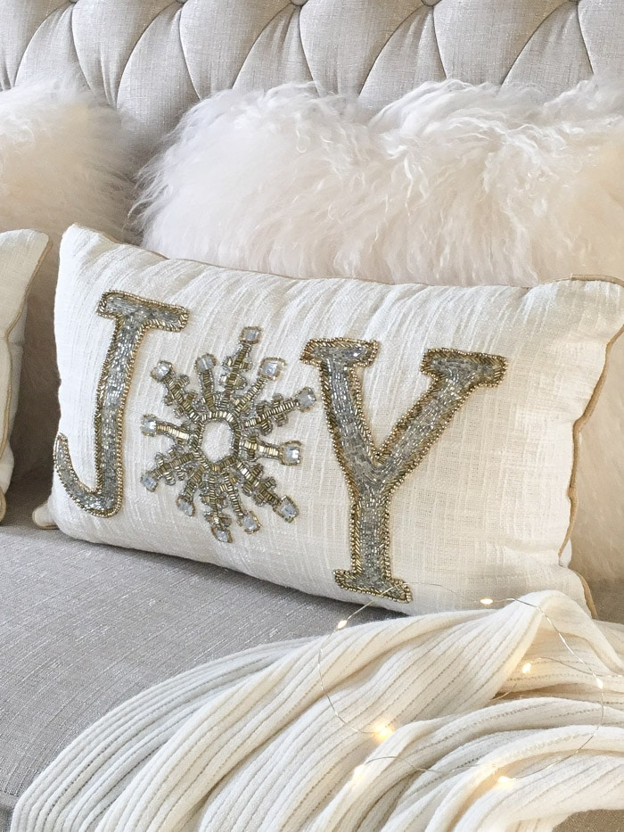 Glam, modern beaded holiday pillow decorating ideas!