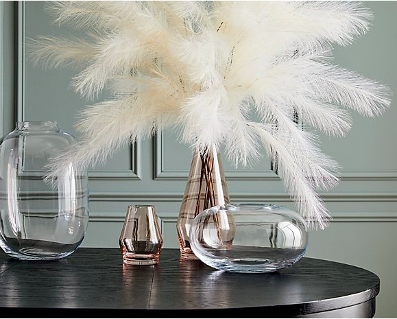 Elegant winter decor ideas using beautiful pampas grass for the modern farmhouse and glam home!