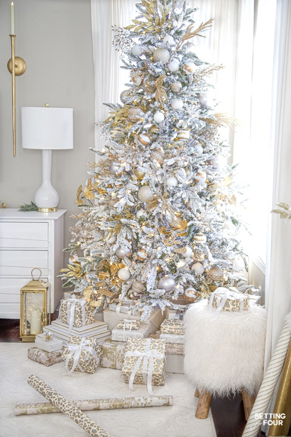 Elegant Crystal Gold And White Christmas Tree Decor Setting For Four